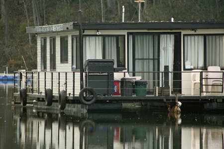 Houseboat by Bay River Houseboat Holidays