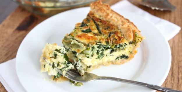Home-made spinach quiche