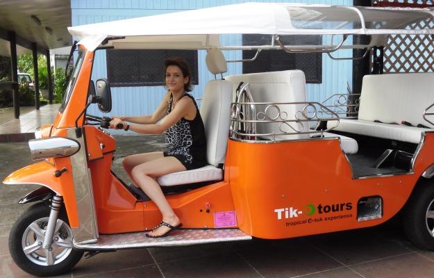 LFW checks out Tik-e tours cute tuk-tuks
