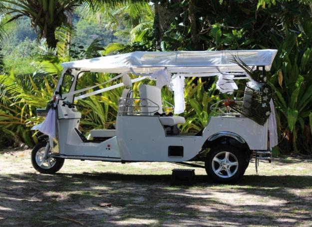 Wedding limo tuk-tuk - photo Tik-e tours