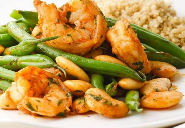 Turning green paprika prawns with green beans, cannelloni beans and quinoa