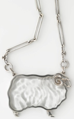Sheep, pendant c.1979 sterling silver, carved quartz by Eléna Gee National Gallery of Australia, Canberra Crafts Board Collection donated by the Australia Council 1982