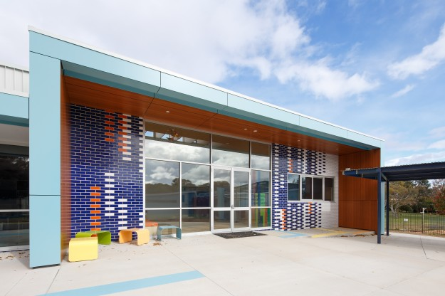 Archit-Schools06—Archi-SCHOOLS: Tuggeranong Introductory English Centre at the Wanniassa Hills Primary School by May & Russell Architects. Image: Kiernan May