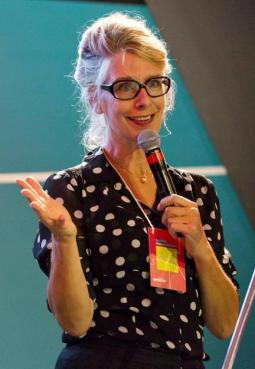 DESIGN Buzz_Ingrid van der Wacht