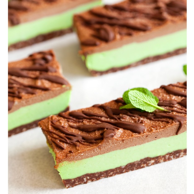 Raw vegan choc-mint slice