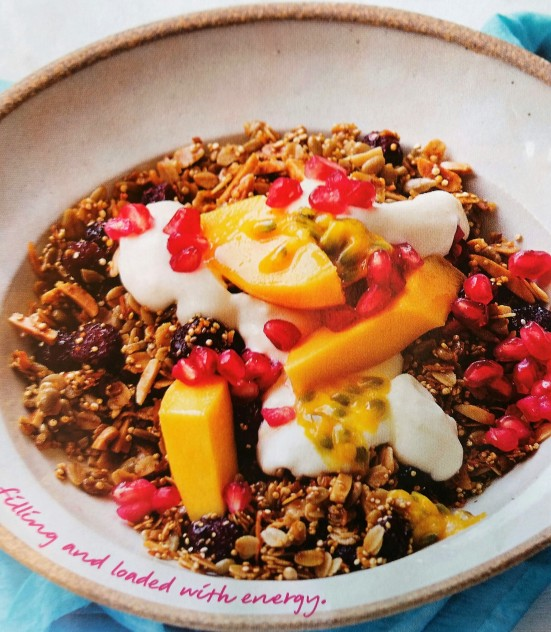 muesli-with-nectarine-and-pomegranate