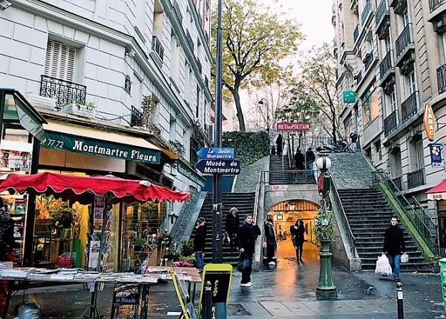 montmartre-metro