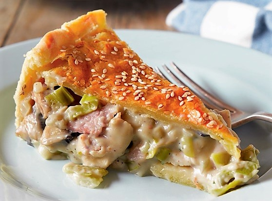 chicken leek and bacon pie